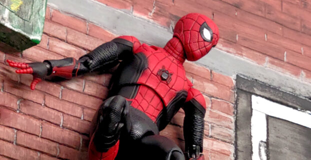 Medicom Mafex #113 Spider-Man Far From Home Upgraded Suit Figure